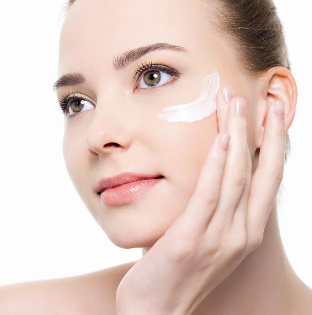 Как сделать кожу на лице гладкой дома